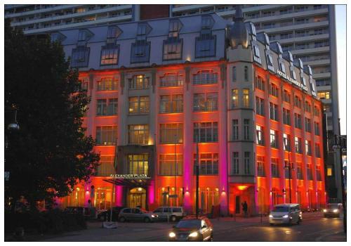 Отель Alexander Plaza