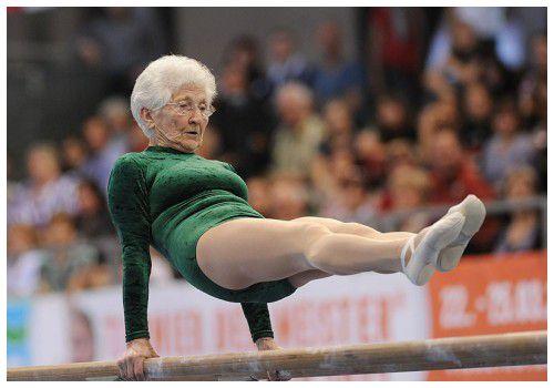 Бабушка-гимнастка
