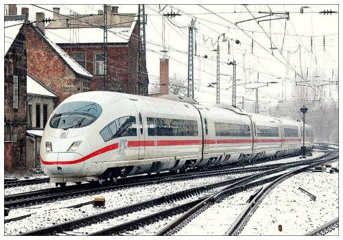 Скорый поезд ICE
