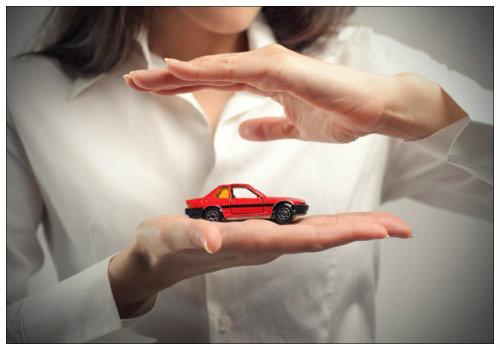 Машинка в руках.