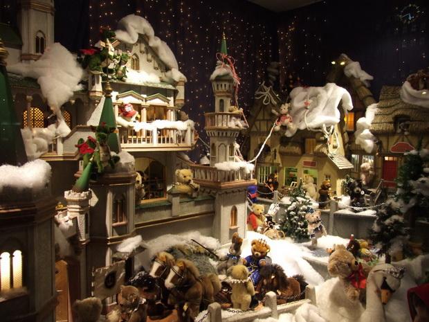 Новогодняя витрина в Дюссельдорфе.