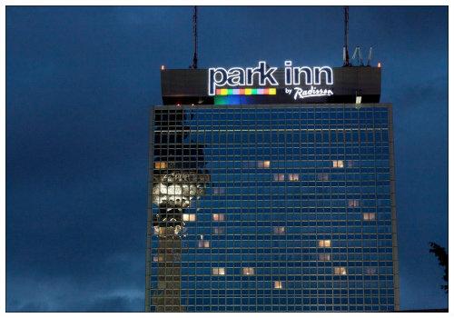 Здание парк-инн